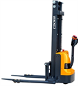 Picture of EB12E-138   Electric Straddle Stacker   11.5 ft Lift & 2,640 lb Capacity